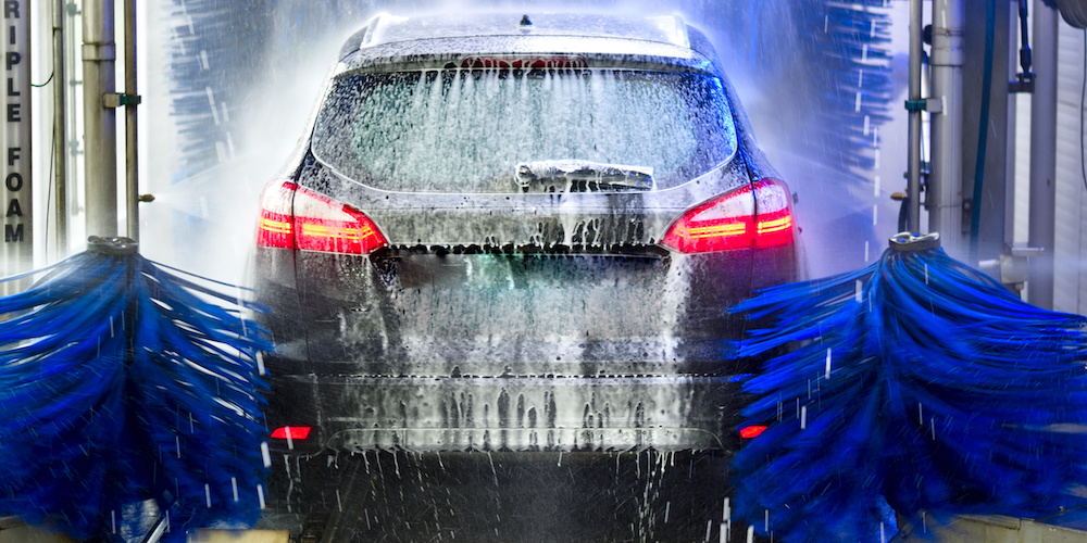 Keep Your Car Clean and Safe This Winter With a Professional Car Wash